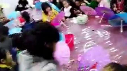 江浙沪亲子交流群《DIY手绘纸伞》更多精彩活动欢迎参与18261118274费老师