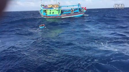 中沙群岛与越南渔船啤酒香烟换飞鱼