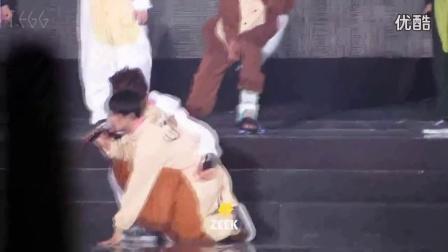 中字 EXO成员穿萌萌动物睡衣 搞笑舞蹈互动 EXO演
