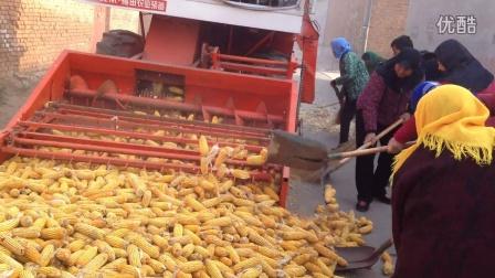 改装自走式大型玉米脱粒机 山东圣丰农机  400-9266-200