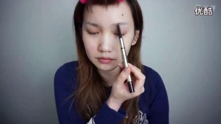 约会裸妆 阿FI头丨半脸对比挑战,教你如何打造伪素颜妆! 初学化妆怎样画眼线_(12)【优酷HD】
