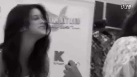 Selena Gomez - Memories-1