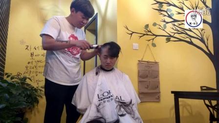 韩国富二代上海的店完蛋了剃光头重新做人