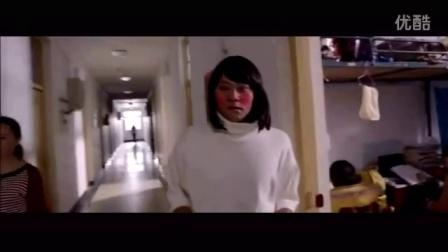 新生来校分宿舍被误认为是女孩,安排到了女生宿舍,真是大饱眼福