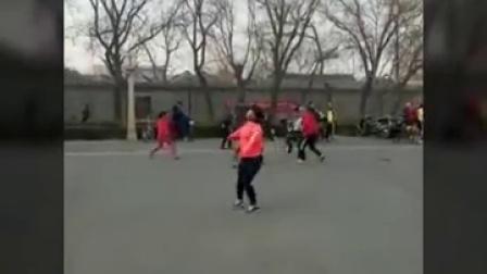 北京高手小舒和幺妹精彩踢毽