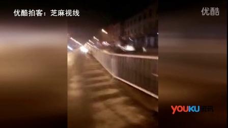 【拍客】保定蠡县两车相撞 面目全非