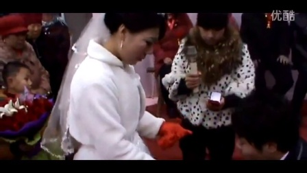 农村女孩姚蓉蓉现场主持婚礼 这话说得太好了 现场掌声不断