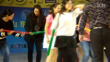 乒乓球滨州赛 美女乒乓接力