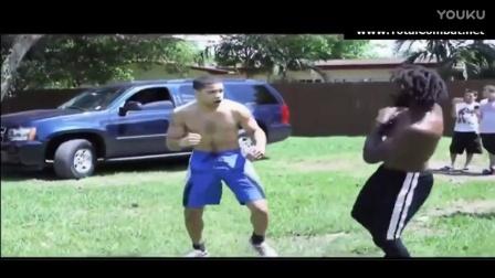 美国黑白肌肉男约架 长毛黑人被打出血认输!
