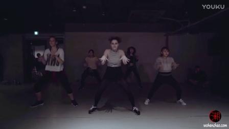 [我很潮] 韩国1m舞室 曲名pretty girl rock keri hilson 身材很棒美女 初级班 镜面编舞