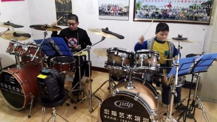 宁武县宏翔艺术培训中心:尹琪栋,李召书架子鼓《小蜜蜂》