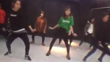 【营口ART街舞培训机构】晨晨老师东圣中级爵士原创编舞Kiss - Prince性感练习室版
