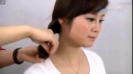 编发教程 圆脸适合的卷发发型 扎发