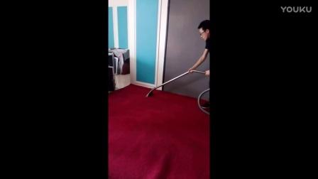 这样洗地毯,也是没有谁了