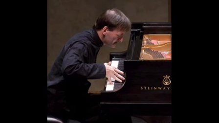 """Stephen Hough plays """"Moscow Nights""""(莫斯科郊外的晚上)"""