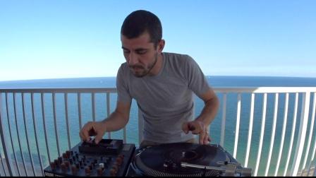 DJ Brace Presents Fretless Fridays - Szamár Madár