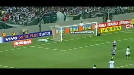 Ronaldinho ● Top 10 Goals