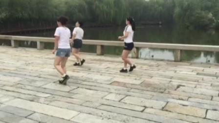 上海松江户外广场舞【印度舞曲】