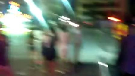 中秋节晚上和香香在沥林广场玩碰碰车