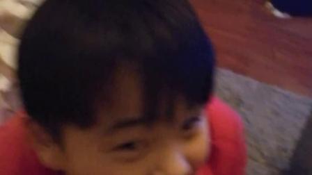 9岁11个月 康辉给老爸洗脚 当孝敬已成习惯 美就成了一种摆设(哥不是传说 不要迷恋哥)