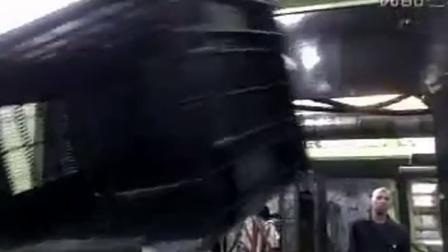 优傲机器人应用案例视频汇总 1.1.25 UR5冲压件搬运