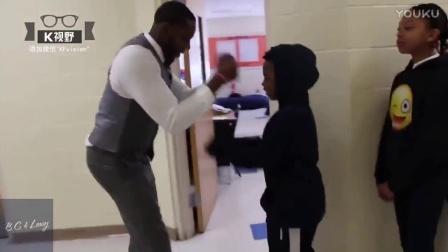 [K分享] 美国老师给每位学生设计独特打招呼方式,疯传全美 (中文字幕)