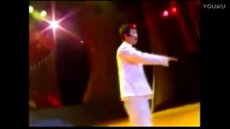 张艺兴05年与08年的唱京剧对比,那时候还是婴儿肥的小绵羊