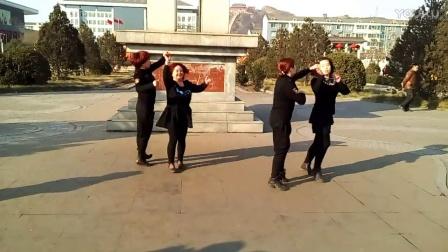 磁山一街广场舞水兵舞