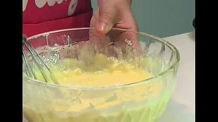 安琪教你做玛芬蛋糕 玛芬蛋糕、蛋糕、百钻、玛芬蛋糕预拌粉、家庭烘焙、DIY