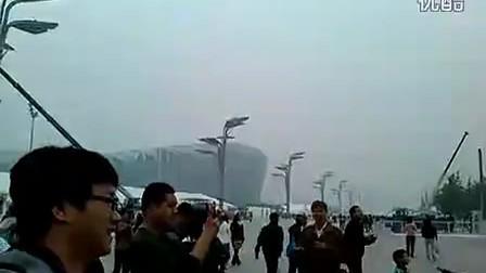 www.ebweb.com.cn 变形金刚霸气外露亮相奥体广场