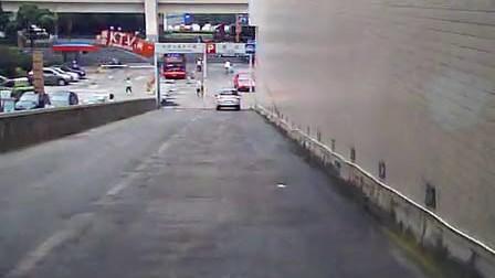女司机开VOLVO是这个星球上最牛逼的了  www.ptrcw.com.cn平潭人才网