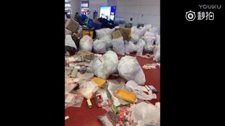 中国游客机场扔垃圾 韩国人: