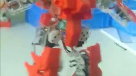 机器人摔倒自己站起来