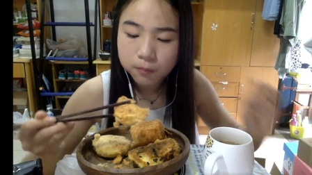 55爱吃饭的妹子 鲍师傅糕点 吃播~