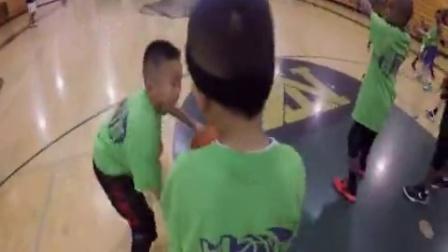 篮球训练如何运用持球动作发展防守姿态篮球教学运球
