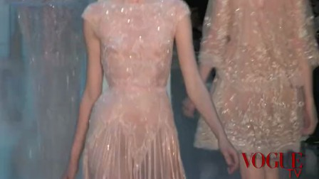 《VOGUE TV》Elie Saab 2011 FW HC Runway