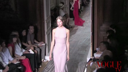《VOGUE TV》Valentino 2011 FW HC Runway