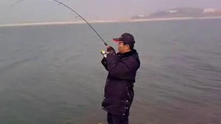 【www.wxyt.com.cn】张警官门楼水库意外路到大草鱼