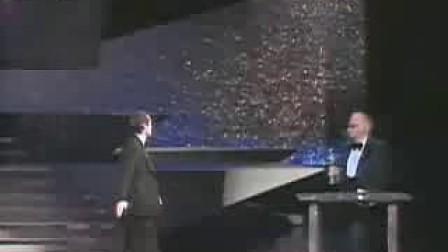杰克·尼克尔森1975年因《飞越疯人院》获奥斯卡最佳男主角奖