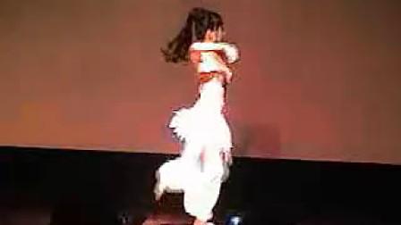 14岁女孩跳舞MV