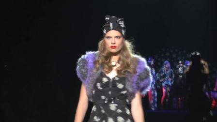 2012春夏纽约时装周秀场直击:ANNA SUI