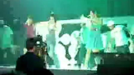 劉德華演唱會SHE擔任嘉賓-2