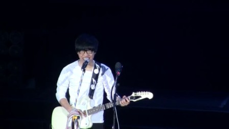 卢广仲-不想去远方(2011Live in BJ)