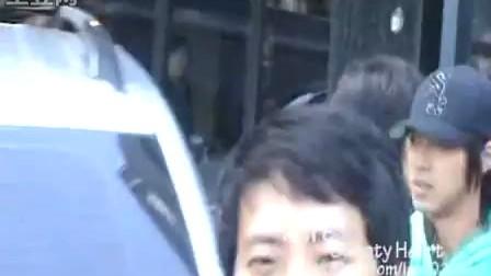 (豆花)090831 韩国饭店允在吃饭清晰自拍[izar0126]