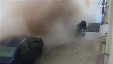 下水管道爆炸一幕空气能热水器www.carnoy.com.cn