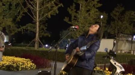 姐姐 , 鸟巢流浪歌手汤华斌 阿龙 演唱图片