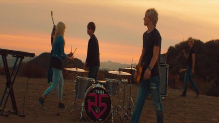 R5 - Pass Me By(Oficial Video).Blu-ray.mv.x264.ac3.anymore