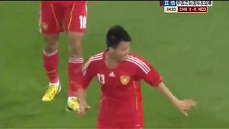 中国职业足球运动员孙可球技烂人品差比赛时恶意假摔