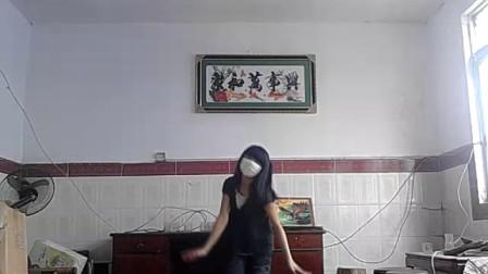 可爱小MM舞蹈~~爱川。。。。。