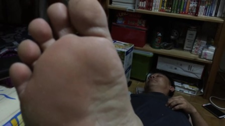 Dad's feet vid 5
